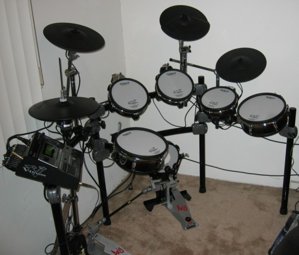 Roland_V-Drum_TD-12S_V-Stage_set_+_expansion