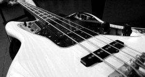 electric-bass-787207_640