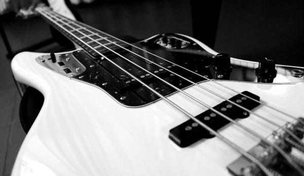 electric-bass-787207_640