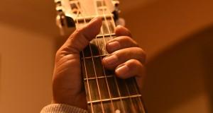 guitar-3197196_960_720
